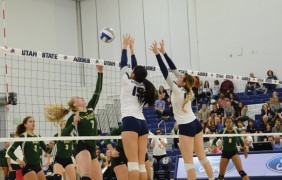 Volleyball returns from road loss for pink-out game