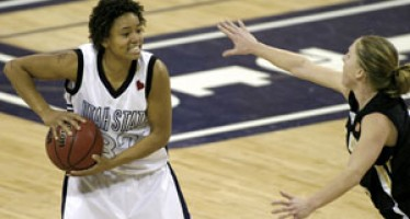 Women's basketball can't handle 49ers at home