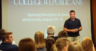 Candidate addresses College Republicans in opening social