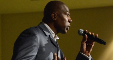 Thurl Bailey speaks at Common Hour
