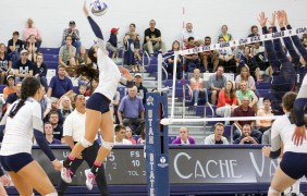 Aggie volleyball loses third-straight conference match against Fresno State