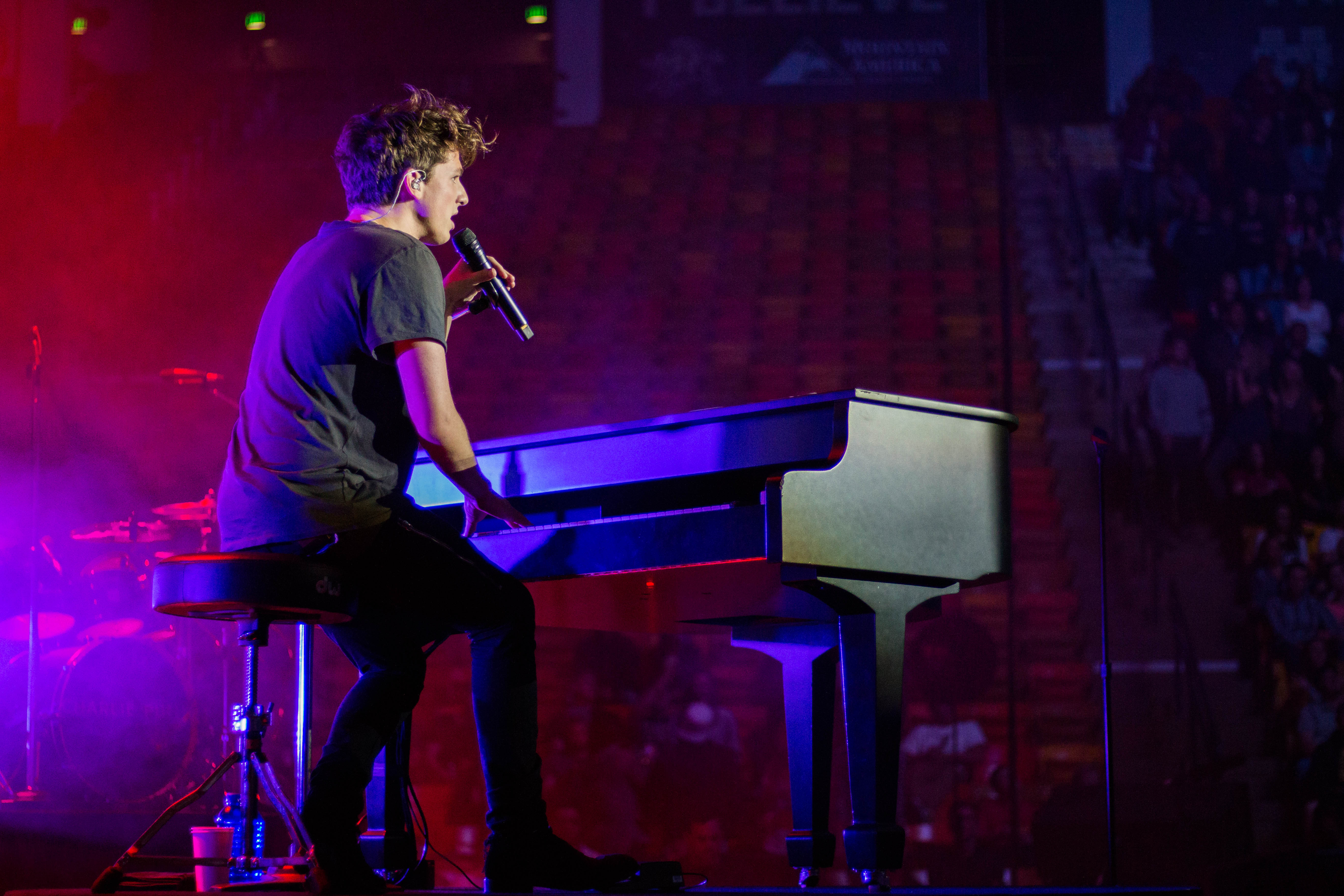 GALLERY: Charlie Puth Performs at Utah State Homecoming ...